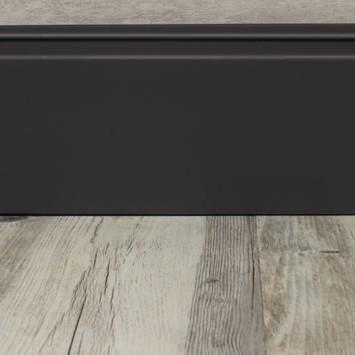 Rodapé 15 cm com friso black